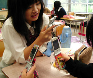 cellphone, japan, and japanese girls image