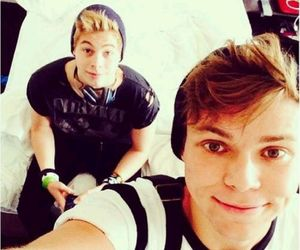 <3 and 5sos image