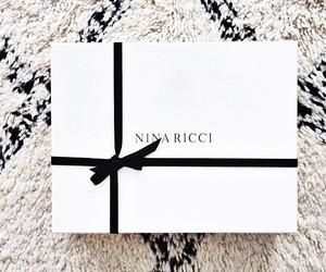 gift and Nina Ricci image