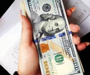 تفسير رؤية النقود الورقيه في الحلم بالتفصيل