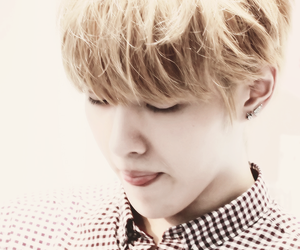 kris, exo, and exo-m image