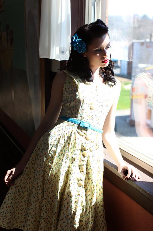 dress, fashion, and retro image