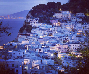 capri and italia image