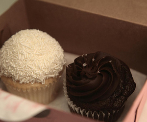 cupcake and chocolate image