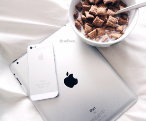 breakfast, krave, and iphone5 image
