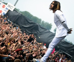 jared leto, 30 seconds to mars, and echelon image