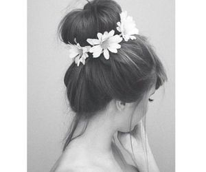 bun, flowers, and pretty image