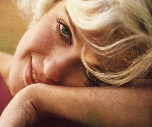 Marilyn Monroe and normal image
