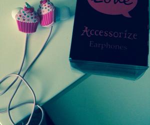 cake, cool, and earphone image