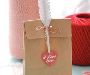 couple, pretty, and gift image