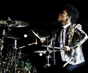 bruno mars and super bowl image