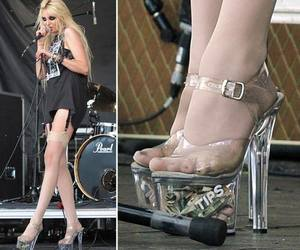 Taylor Momsen, shoes, and the pretty reckless image