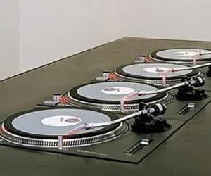 turntable and technics 1200 image