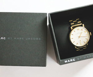 fashion, marc jacobs, and gold image