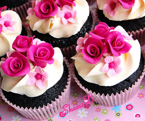 cupcake and flowers image