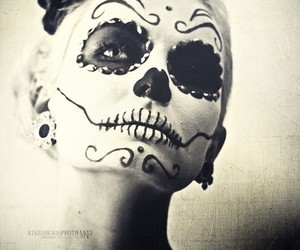 black and white, photography, and skull image
