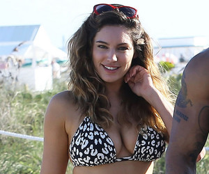 Kelly Brook image