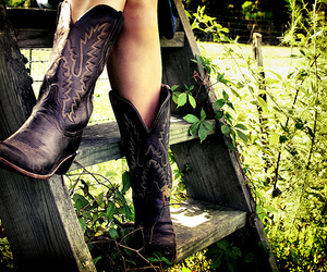 boots and country image