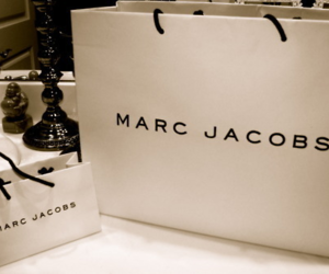 marc jacobs and bag image