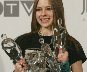 Avril Lavigne, brown hair, and nice image