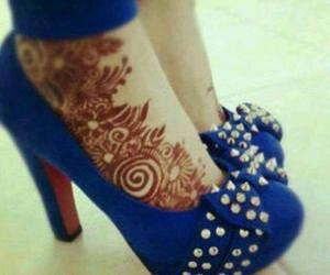 henna and shoes image