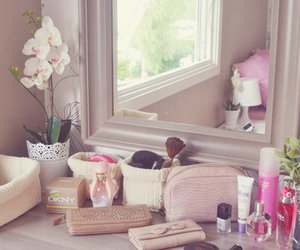 accessories, flowers, and rooms image