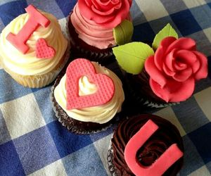 I Love You and cupcakes image