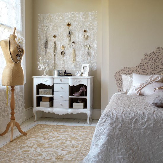 Creative Decorating Idea In Vintage Bedroom Ideas With Mannequin Decor Used  Beige Wall And Rug Design For Inspiration To Your House